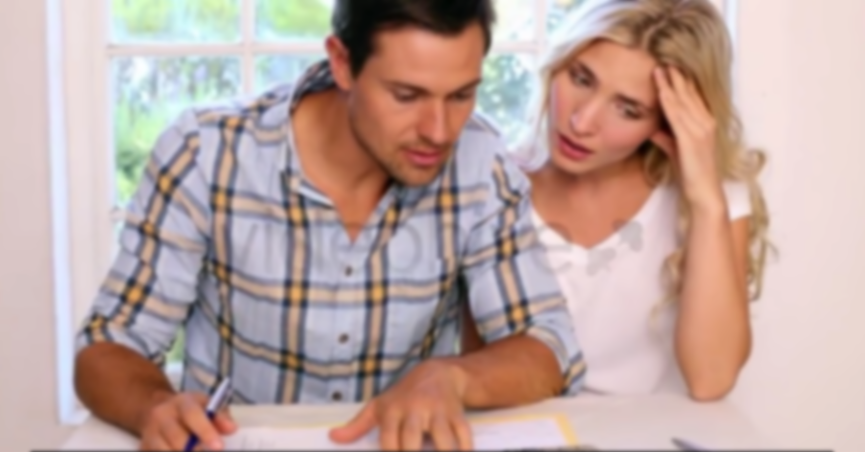 Blue Loan Payday Montreal Couple in Debt