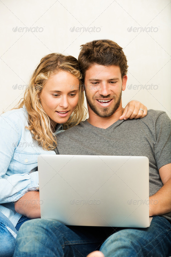 Couple Payday Loan in Canada